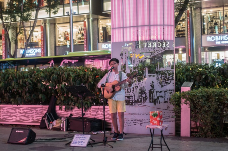 Alan Fong Youngest Busker-2